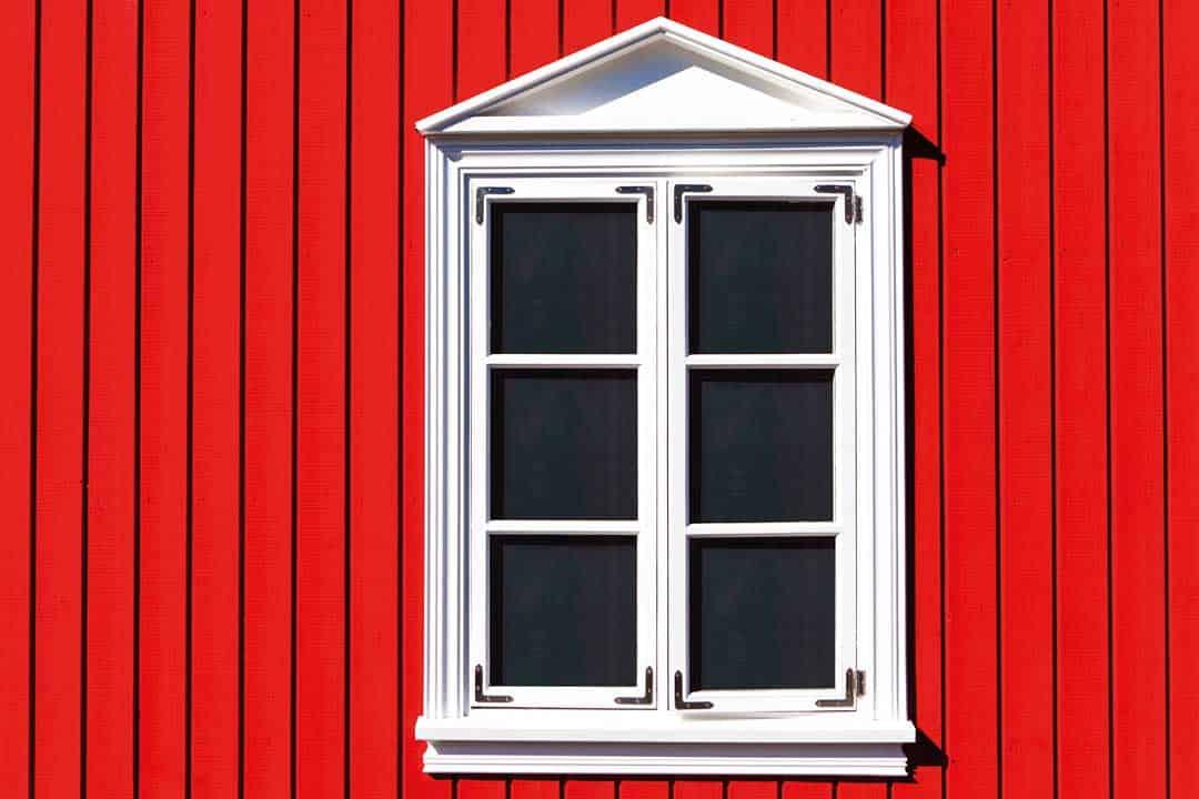 Holzfenster deckend gestrichen